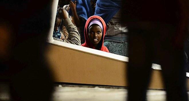 1126759_refugies-ne-passons-pas-a-cote-des-vrais-debats-web