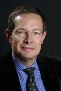 Portrait de l'économiste et président du Conseil stratégique européen SA Christian Saint-Etienne, pris le 18 octobre 2003, dans le cadre de la 13e cité de la réussite à Lyon.