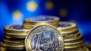 la-croissance-economique-en-zone-euro-a-atteint-0-5-au-premier-trimestre-selon-une-seconde-estimation-publiee-vendredi-par-eurostat_5596933